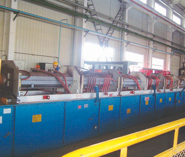 Continuous quenching and tempering production line of bar